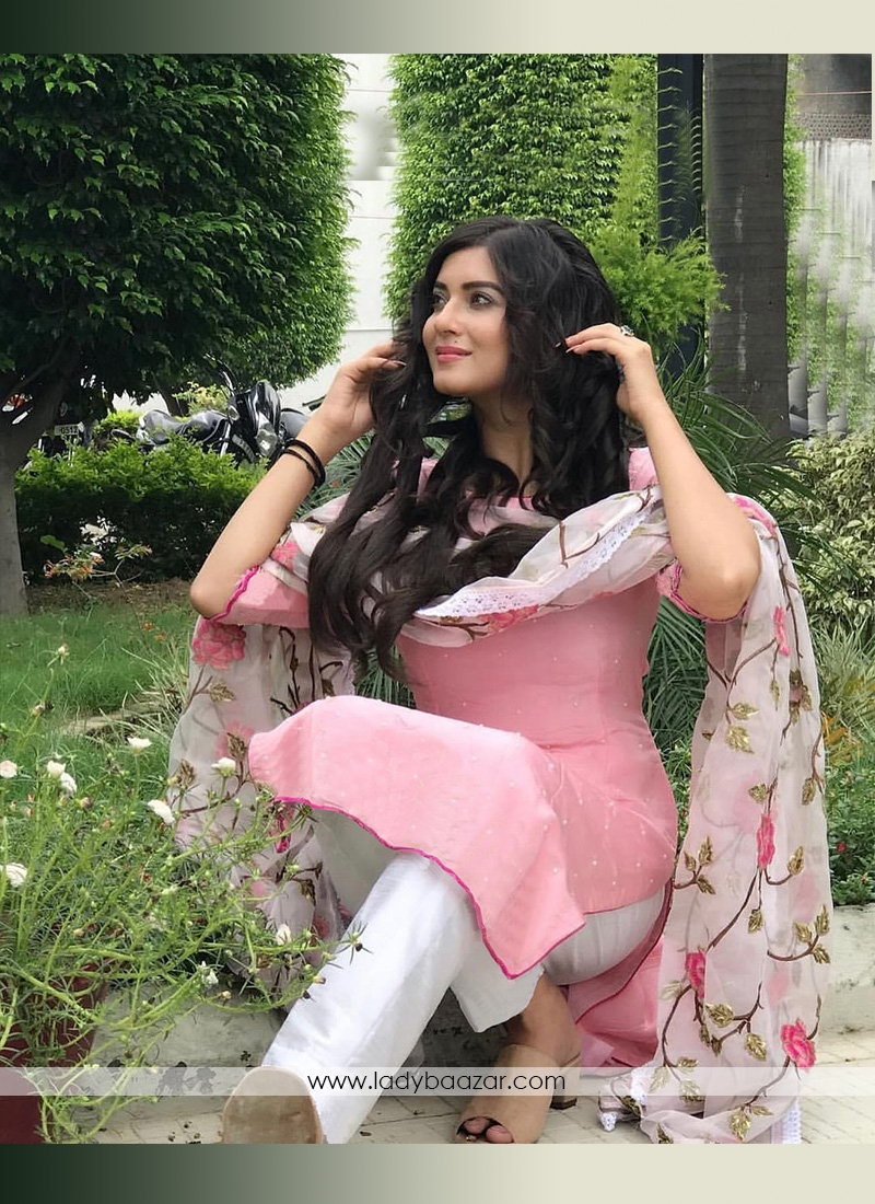 Designer Wear Pink Suit-Pant Set With Chiffon Embroidered Thread Work Dupatta