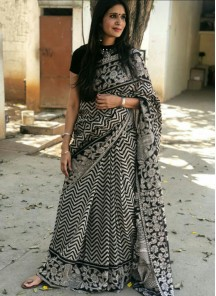 Incredible Digital Print  Work Black And White Silk Saree