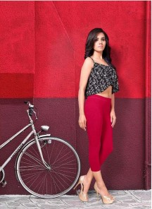 Snazzy Red Cotton Ankle Leggings For Girls