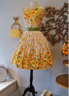 Vintage Floral Crepe Sleeveless Yellow With  Cream Western Wear